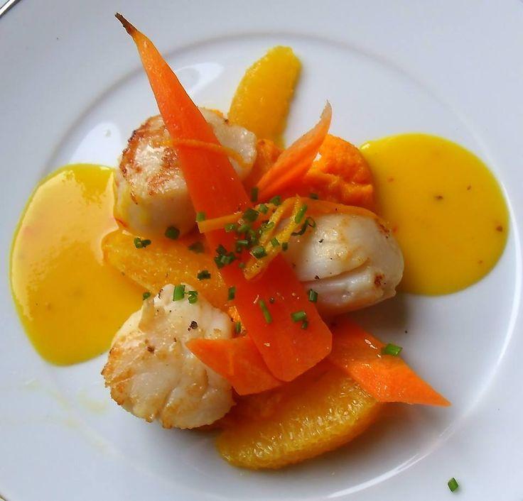 Noix de St-Jacques, déclinaison carottes-oranges et beurre d'orange safrané