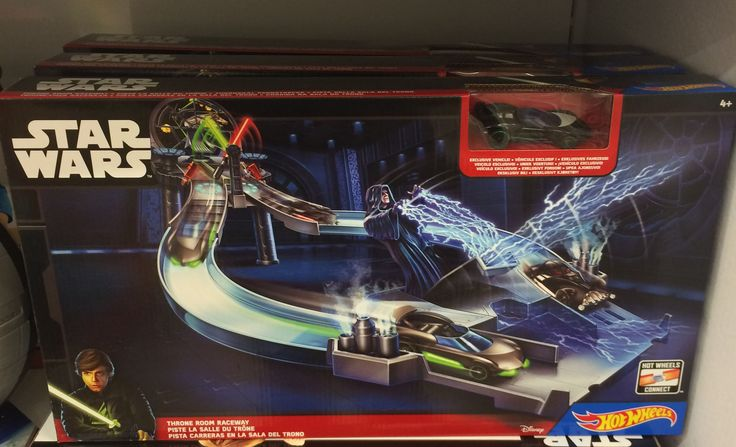 A Hot Wheels também lançou um brinquedo de Star Wars! Assuma seu lado Luke Skywalker e aposte uma corrida até a Sala do Trono. Ah! Reparou que Darth vader tem um carro só dele? (Lojas Americanas, R$159,00).