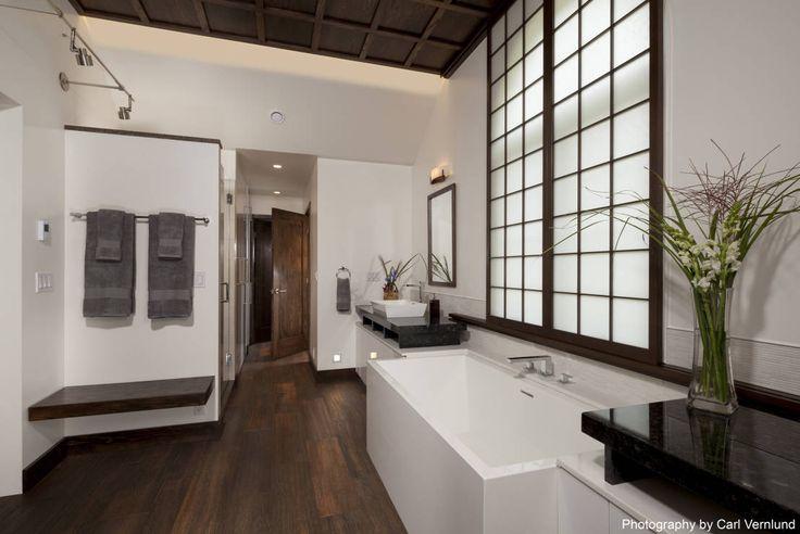 Baños de estilo asiático de Penguin Environmental Design L.L.C.