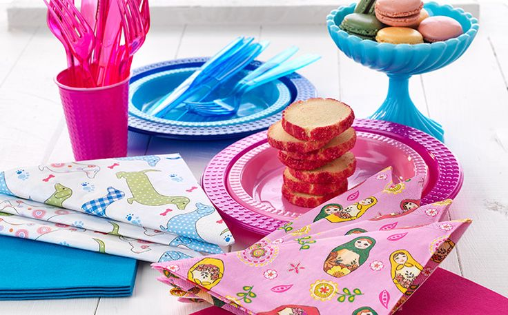 Mix & Match with Duni napkins. Combine designs and colours to enhance the creativity to your table setting