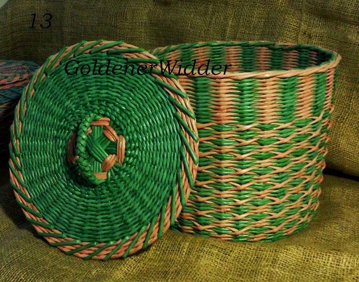 """Плетение из газетных трубочек: Узор """"Крестики"""" на чётном количестве стоечек. А также две верёвочки прямая ( двухцветная), все 3 ряда / вида плетутся одновременно, начало взято с противоположных сторон, чтобы не было слишком сильного перехода."""
