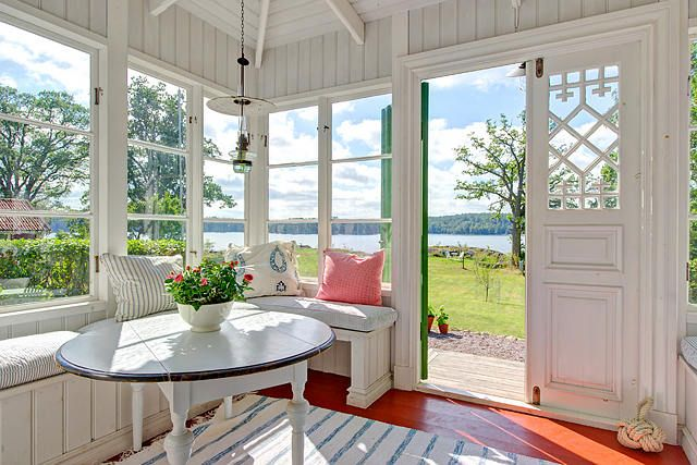 A lovely breakfast nook in a Swedish cottage.