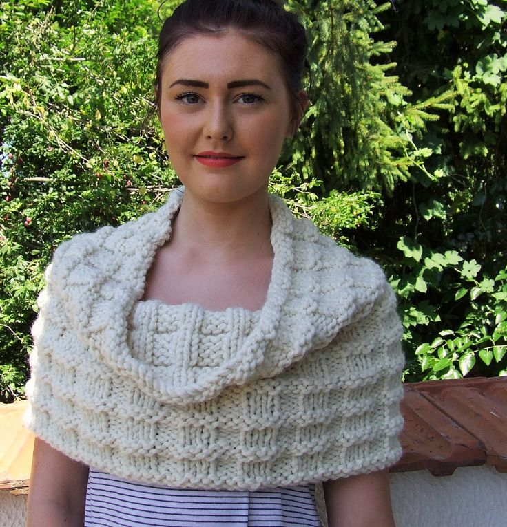 Chunky cowl , infinity cowl ,  over sized cowl , cowl hood , cream cowl , hooded snood, chunky neck warmer ,  Knitted cream chunky cowl by WoolieBits on Etsy