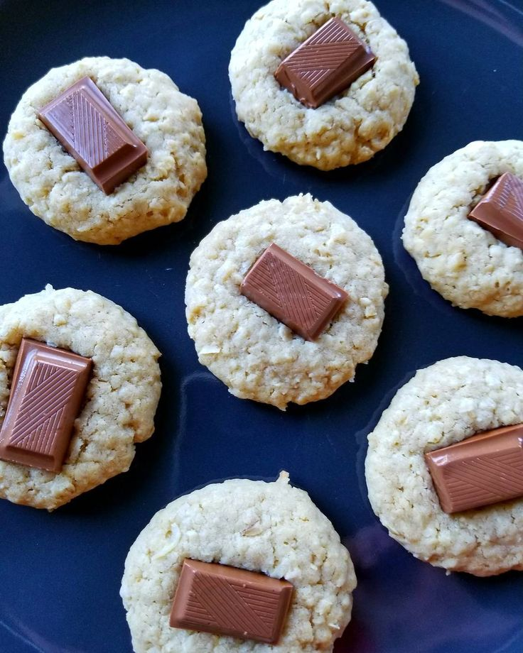 """22 Likes, 5 Comments - Peggy L. 🍃 (@cococooks) on Instagram: """"Could coconut, oats, and a mini milk chocolate bar measure up to trifecta cookie status in your…"""""""