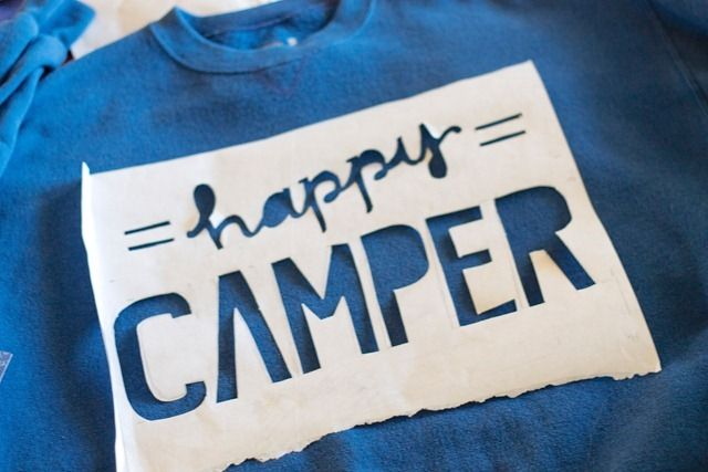 HOw to DIY words onto a tee or sweat shirt! Gotta try this out this summer!