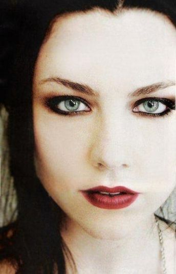 30 Day Band Challenge, Day 27:  A picture of your favorite female band member.  Answer:  Amy Lee of Evanescence.  'Nuff said.  Tomorrow, Day 28:  A picture of your hottest musician.