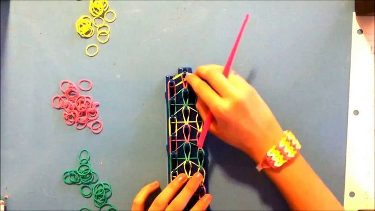 How to make a Chevron Bracelet with Crazy Loom. By Lexie. Friendship bracelet