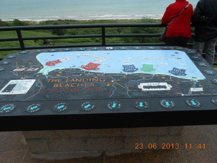 Overzicht van de 5 stranden waar de geallieerden zijn geland op de Amerikaanse begraafplaats in Normandie Frankrijk