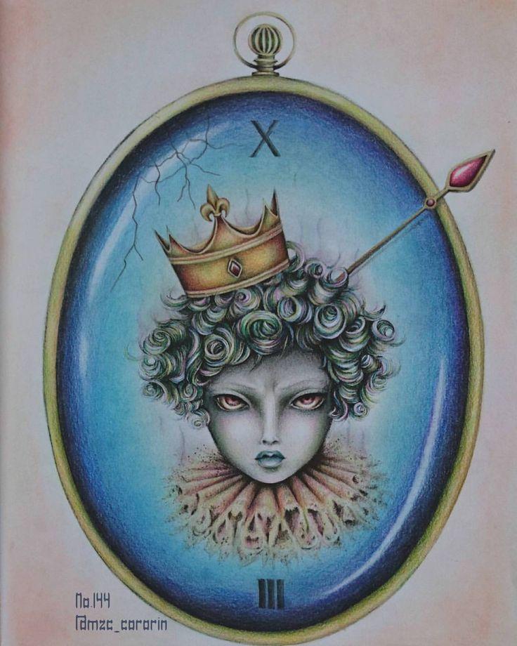 . 時計に閉じ込められたダーク王子。 静かに復讐のときを待つの図👿 表情モデルは不幸続きでイラつきMAXの先週のアテクシ。 転んでもただでは起き上がらないのさっ!!😳✨ . . サクッと塗れるし絵も好きだし、この本とても楽しい💖💖💖. . #コロリアージュ #大人の塗り絵 #グレースケール #coloriage #coloringbook #adultcoloringbook #coloringforadult #grayscalecoloringbook #ikuko #surrealfantasy #fabercastell #polychromos #ファーバーカステル #ポリクロモス #三菱色鉛筆 #ダイソーパステル #ikuko_mzc