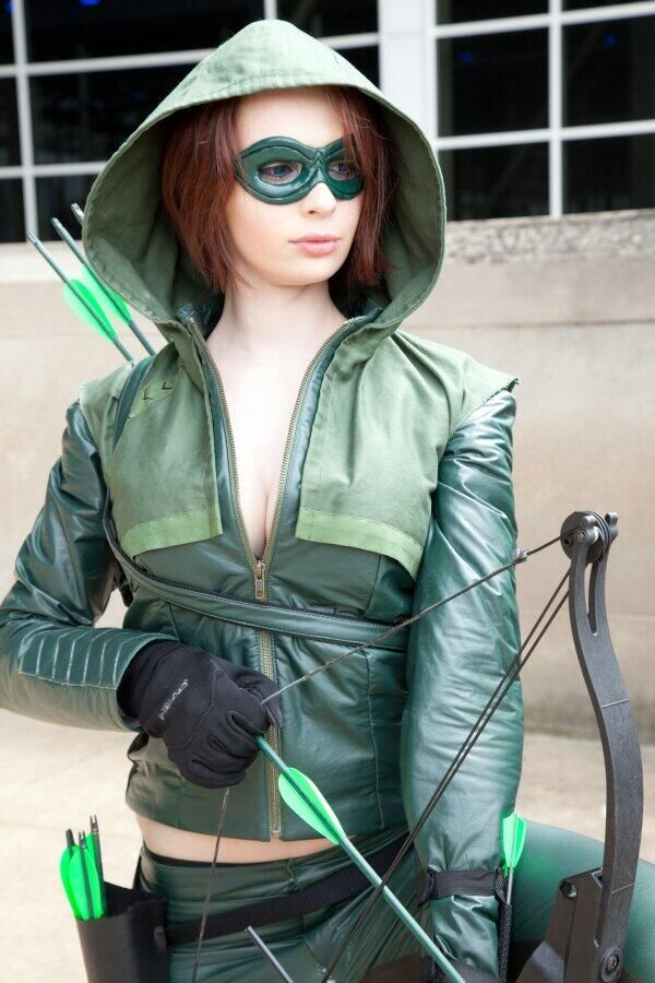 Femme Green Arrow Cosplay