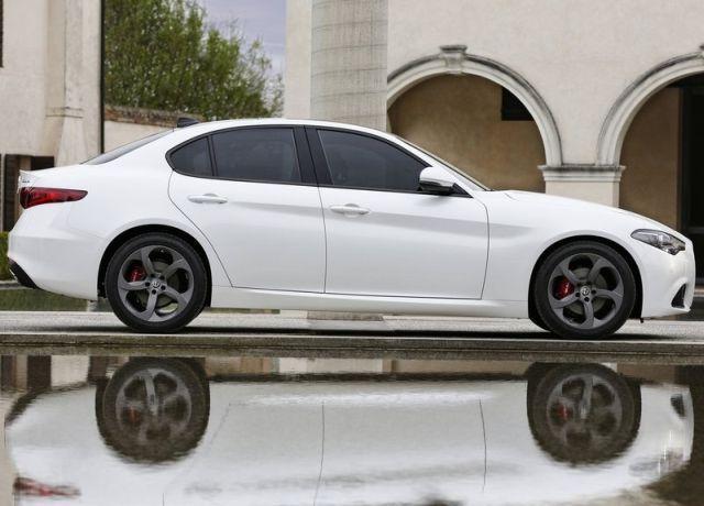 2017 Alfa Romeo Giulia Alfa Romeo