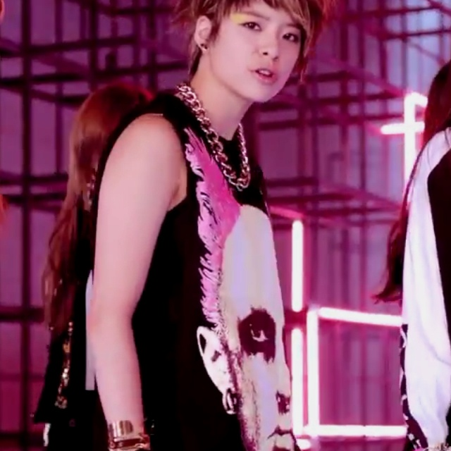 f(x) amber from the electric shock mv :) | Kpop in 2019 ... F(x) Electric Shock Amber