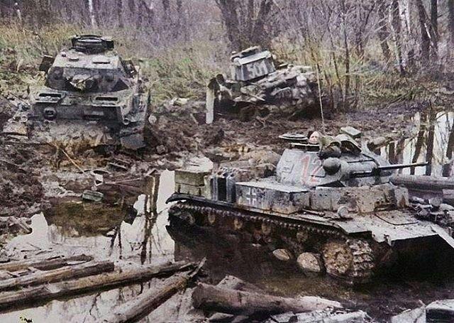 "German tanks get stuck during the operation ""Barbarosa"" (1941)"