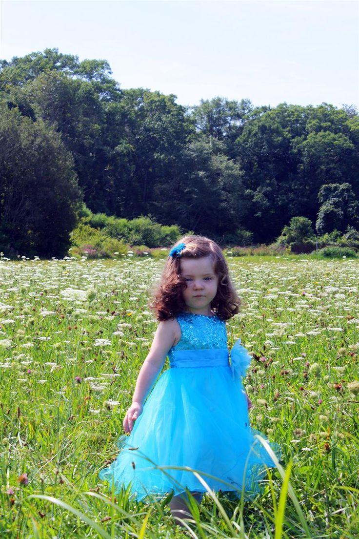 Sukienka wieczorowa dla dziewczynki, malej druhny w atrakcyjnej cenie dostępna http://www.juliacollection.eu/