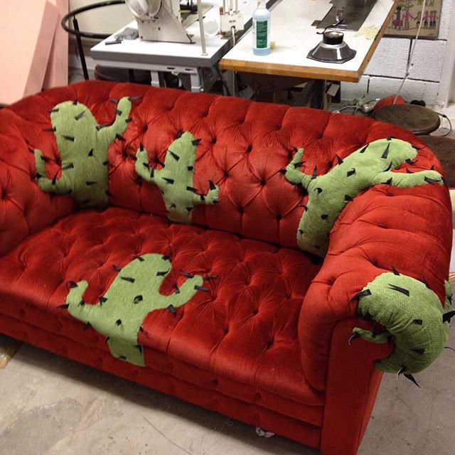 Old sofa repair with cactus #stitchart #craft #oneofakind #chesterfield #vintage #upcycle #recycle #sewing #handmade #velor #fabric #upholstery #embroidery #indiecraft #cactus #decoration #dessert #interior #home #ideas #unique #sofa #design #rockandroll #etsy #lolarosestitchshop #creative #quilten #countrywestern #couch