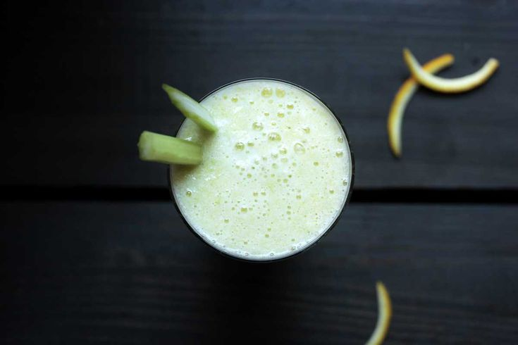 Natürlicher Protein-Shake mit Bio-Eiweiß. Versorgt dich mit Eiweiß, Vitaminen und guten Fetten. Ideal zum Abnehmen oder für den Muskelaufbau.