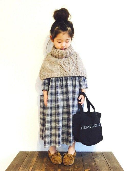Instagram ☞ chi___0910 家族の 風邪リレーにつづき 娘の結膜炎だったり …