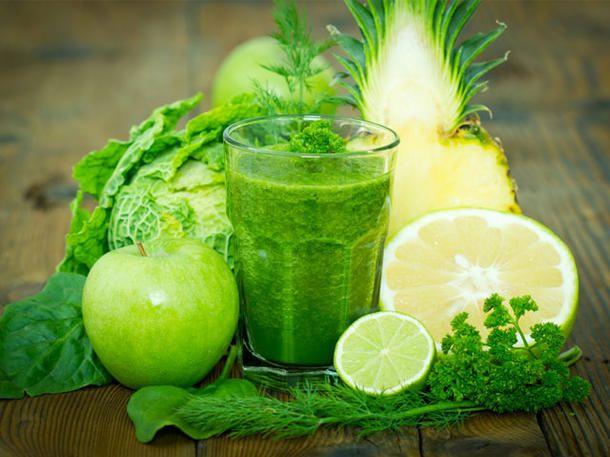 Grüne Smoothies sind kleine Power-Diät-Drinks.