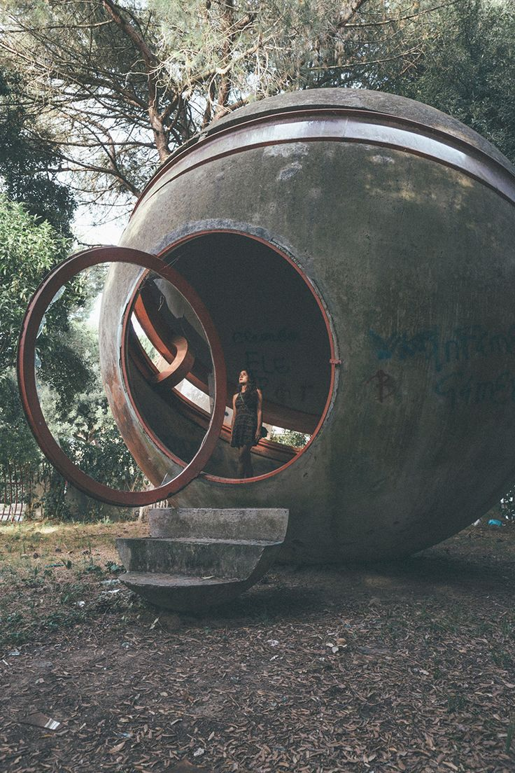 Mobile Egg-shaped House to solve housing problems