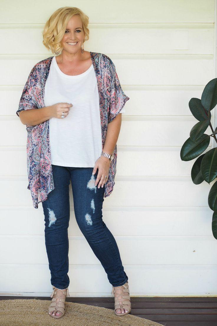 Iland Co kimono (short) | Sassind tee | Bohemian Traders jeans | FRANKiE4 Footwear EMMA heels