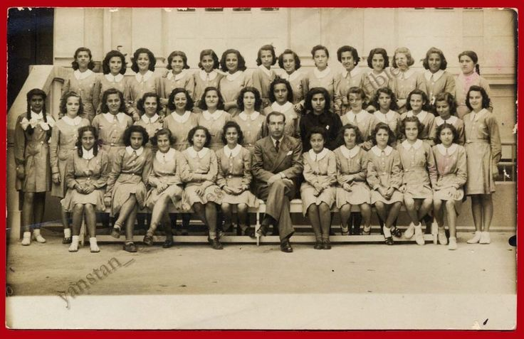 #20932 Greece 18.5.1940. Schoolgirls. Photo PC size
