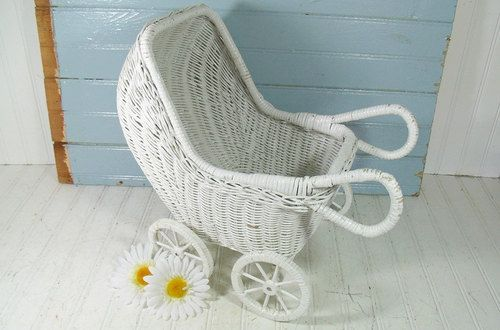 112 best old school wicker images on pinterest wicker wicker patio furniture and rattan. Black Bedroom Furniture Sets. Home Design Ideas