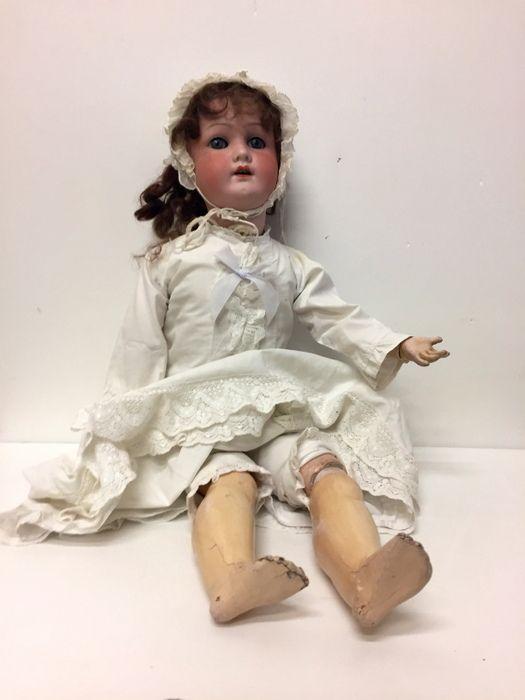 Giocattoli antichi - Bambole Antica bambila tedesca Heubach Koppelsdorf  - Bambola tedesca in porcellana e composizione Immagine n°1