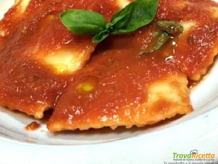 Ravioli di ricotta e spinaci al sugo di pomodoro e basilico  #ricette #food #recipes