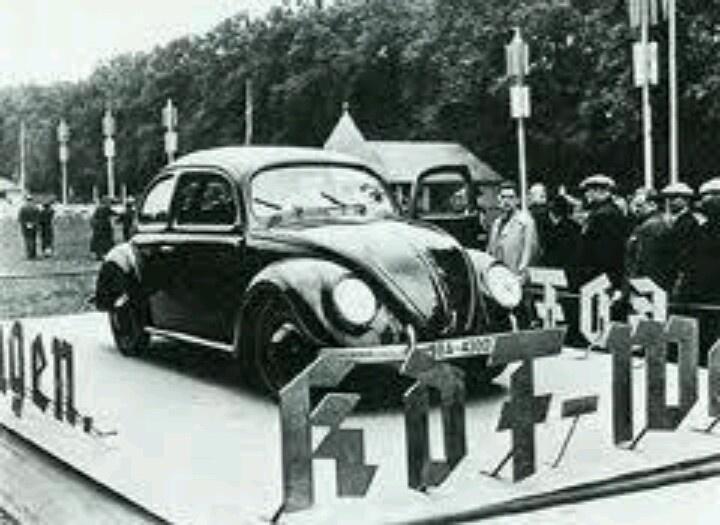 Eine Werbeveranstaltung für den KdF-Wagen 1939.