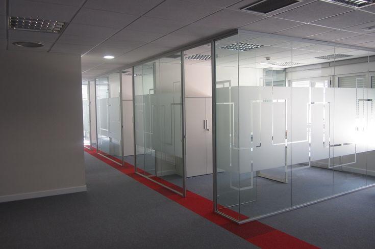 Mampara oficina, diseño. Implantación de oficinas - Compas Obras