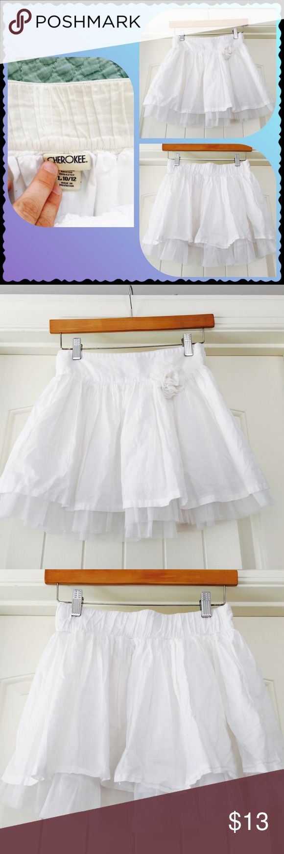 Cherokee girls linen and lace skirt Cherokee brand girls linen and lace skirt. Perfect white condition. Cherokee Bottoms Skirts