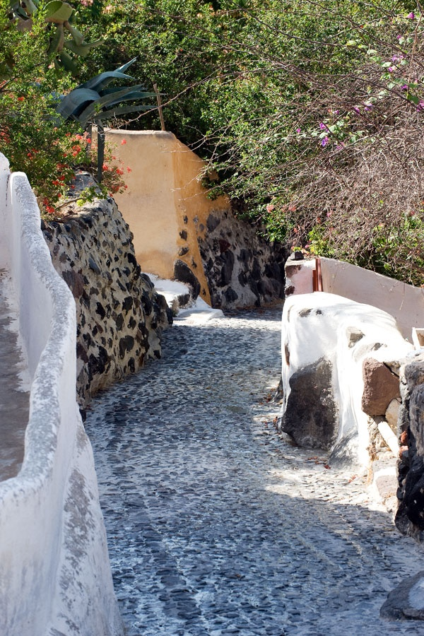 Path in Finikia village, Oia Santorini