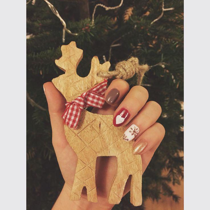 Christmas nails ❄️