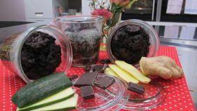 Schoko-Kuchen im Glas mit Zuccini aus Enie backt
