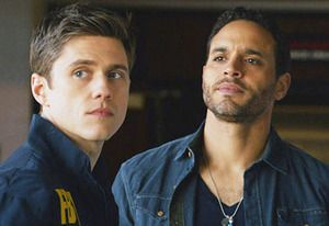 Exclusive Graceland First Look: Is Mike Stealing Briggs' Case?
