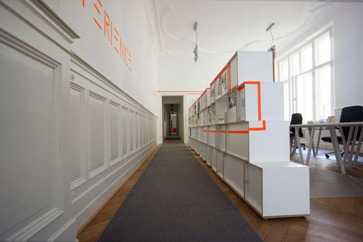 Modulares Aktenregal als Raumteiler #büroregal #stocubo