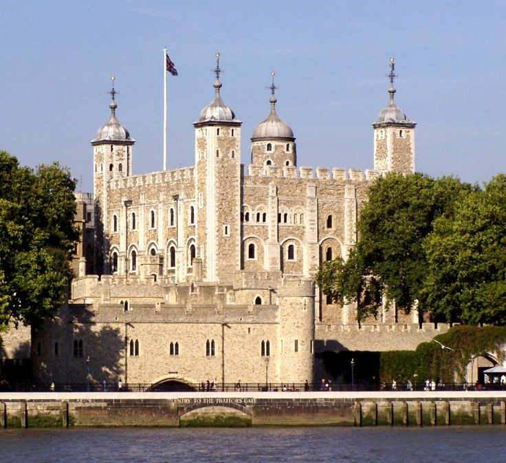 A castle built to strike fear and submission into the unruly citizens of London and deter foreign invaders - today you cannot miss the iconic White Tower, a symbol of London and Britain, overlooking the River Thames.