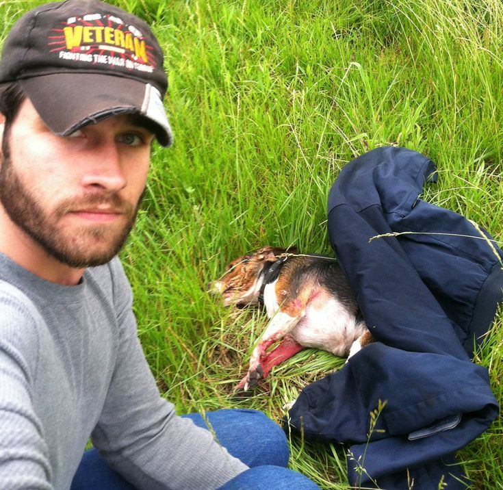 Army veteran risks life to save injured Beagle. .. Waits 3 hours for help to come.