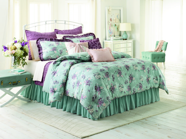 The Blue and Purple floral are my favorite they add so much comfort and style to a room. Chic Peek: Introducing My Kohl's Bedding Collection @LaurenConrad.com