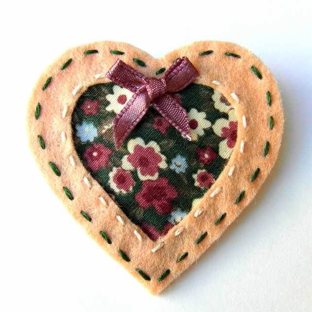 Cut Out Heart Brooch or Bag Charm - Felt - Peach and Green Floral £5.95: Green Floral, Bags Charms, Heart, Felt Crafts, 5 95, Felts, Felt Brooches, Heart Brooches, Heart Felt