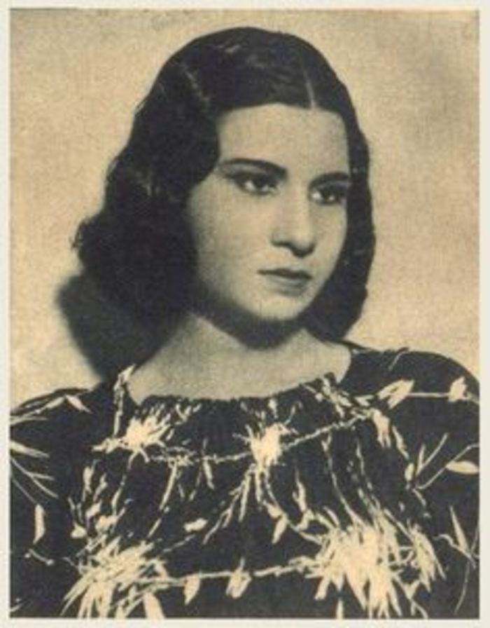 Umm Kulthum Young Google Search Egyptian Beauty Old Egypt Egyptian History