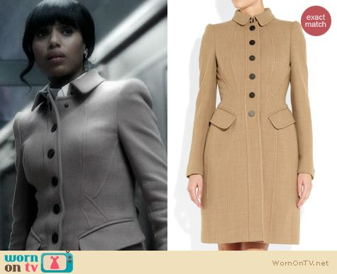 Olivia's beige seamed single-breasted trench coat on Scandal. Outfit Details: http://wornontv.net/20521 #Scandal #ABC #Burberry