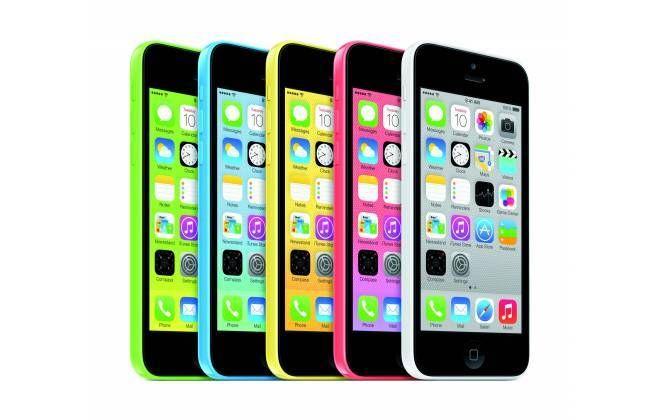 Uma adolescente de 13 anos da cidade deKennebunk, nos Estados Unidos, sofreu um acidente infeliz com seu iPhone. O celular, que estava no seu bolso, acabou pegando fogo e causando queimaduras moderadas em sua pele na última sexta-feira.O aparelho em questão era o iPhone 5c, como apontam as informaç