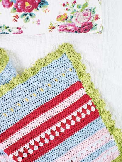 Crochet summery quilts --  beautiful site... in Swedish, use google to translate :)
