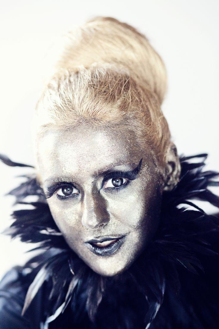 creative gold make-up