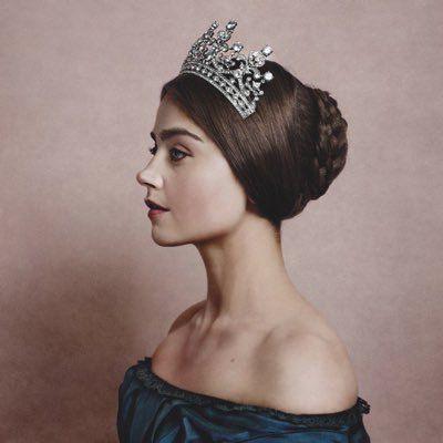 Queen Victoria (Jenna Coleman)