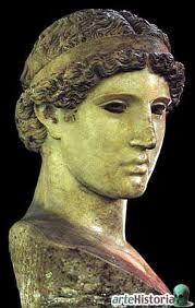 Fidias fue el más famoso de los escultores de la Antigua Grecia, además de pintor y arquitecto. Fidias, que se encuadra en la etapa conocida como «primer clasicismo griego»