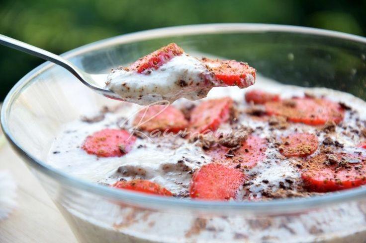 Snídaňová raw kaše s kešu a chia