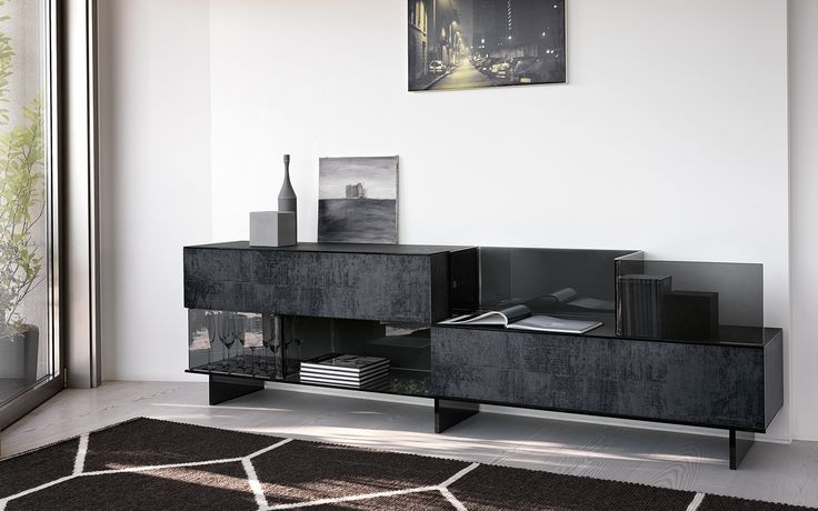 VARESINA cupboard by @Fiam Italia designed by Matteo Nunziati #fiamitalia #matteonunziati #design #interiordesign #furniture #arredamento #homedecor #cupboard #madia #glass