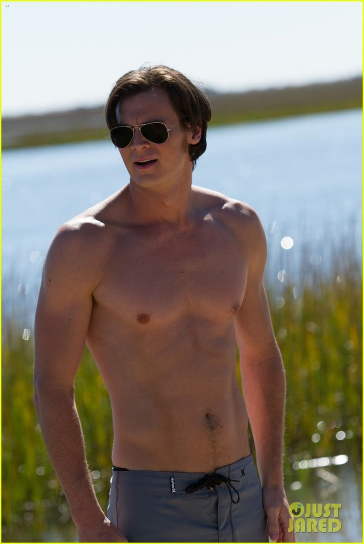 Benjamin Walker Goes Shirtless Sexy in 'The Choice' (Exclusive Photo) | benjamin walker shirtless the choice 03 - Photo